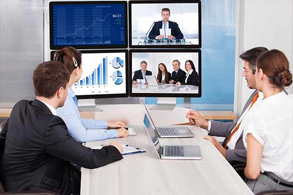 ویدئو کنفرانس چیست و انواع کنفرانس ویدئویی
